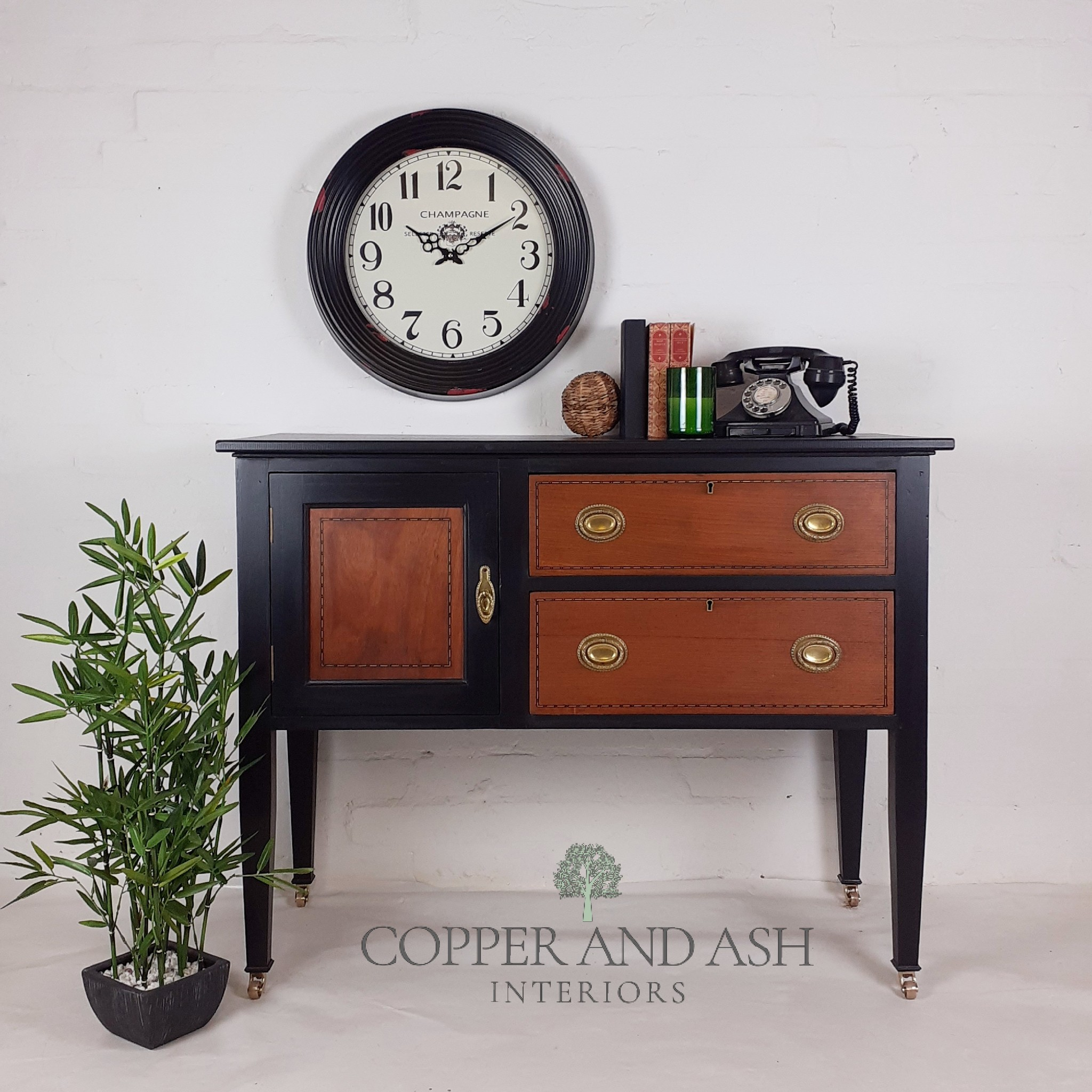 The House of Upcycling: Copper & Ash Classic Wood & Black Sideboard