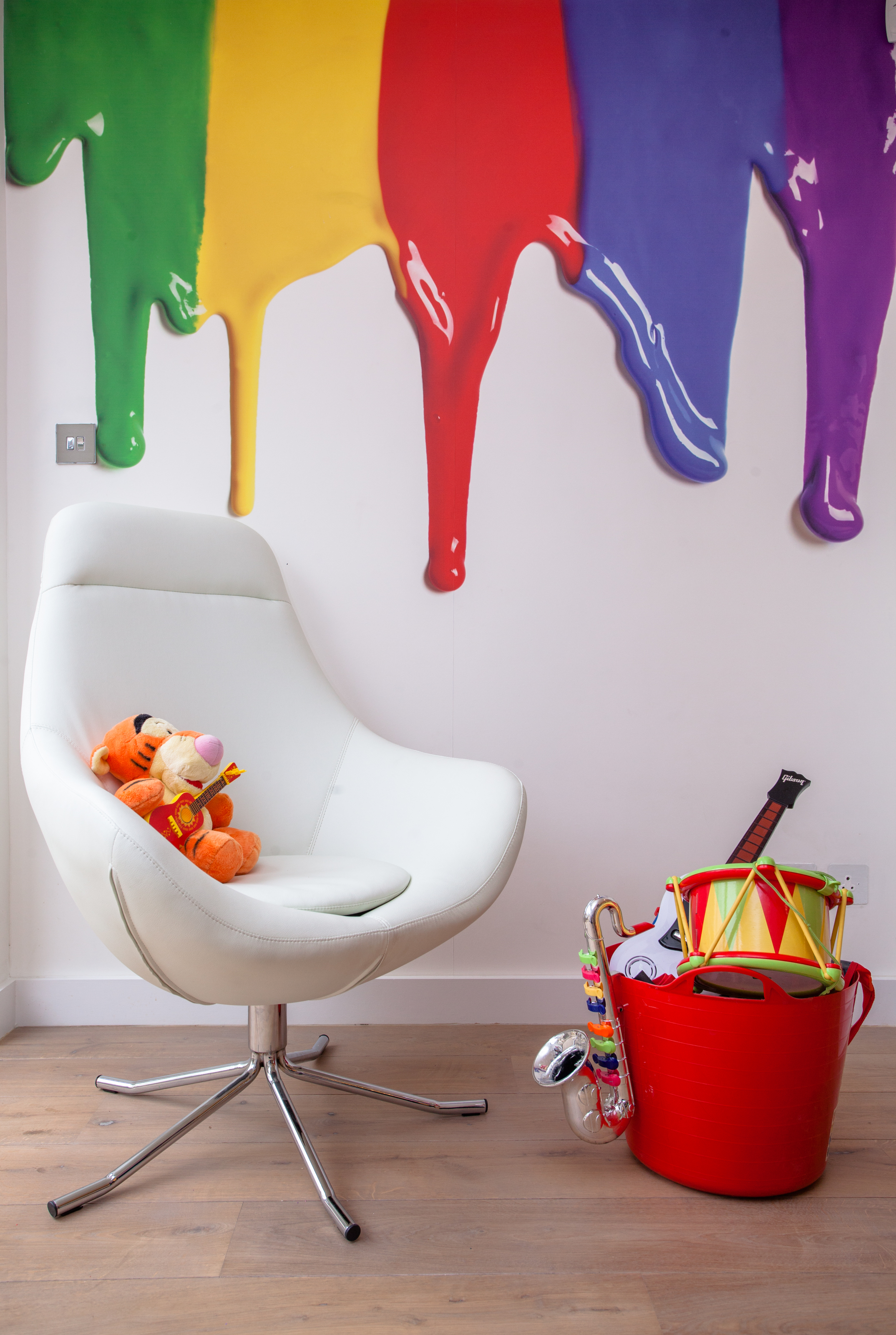 children's bedroom paint drip effect wall stickers and toys