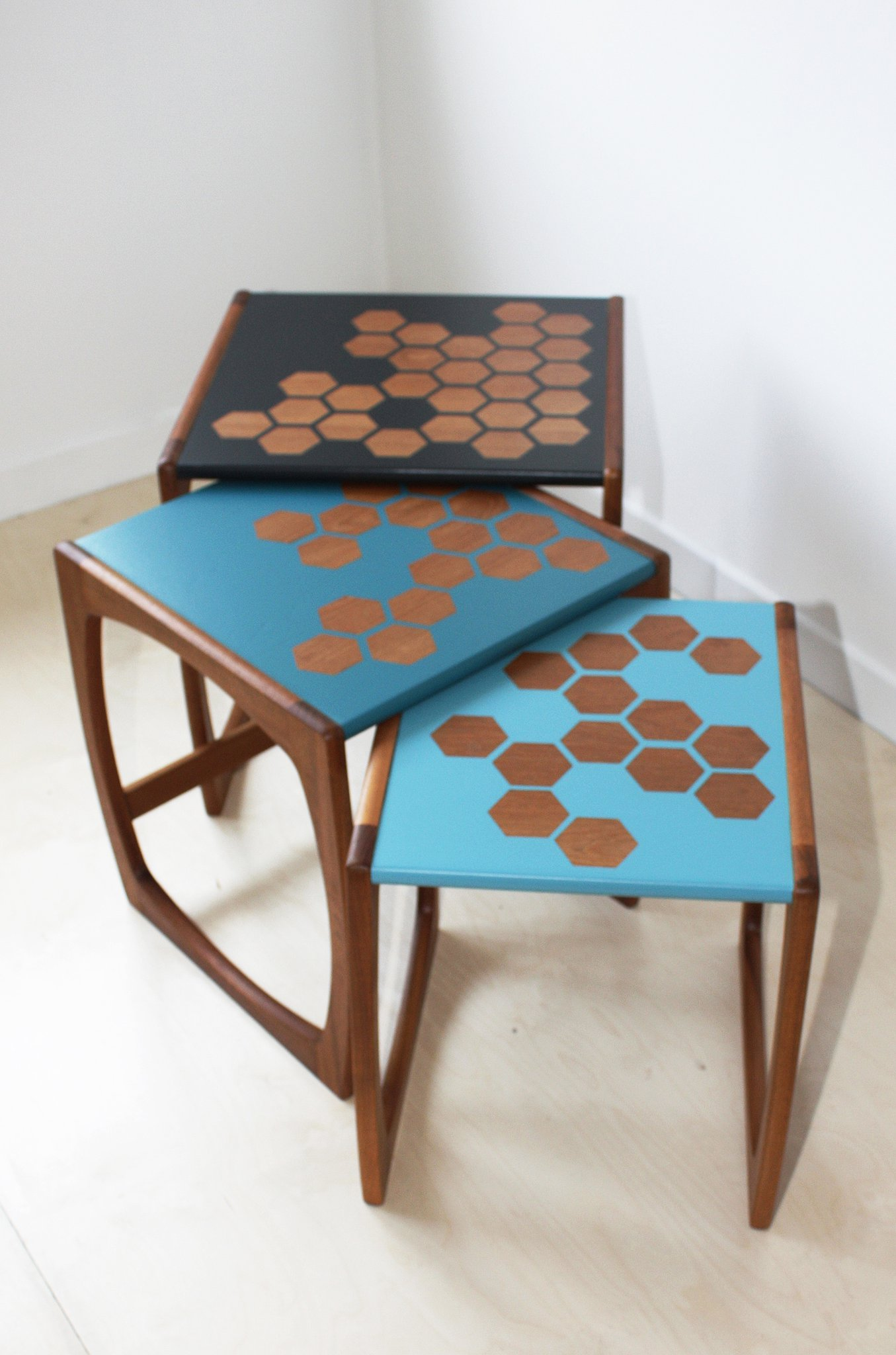 The House of Upcycling: Roc Studio Mid Century Table Nest with Hexagonal Surface Design