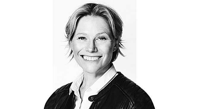 headshot of Carole Annett Interiors Editor at Country & Townhouse magazine